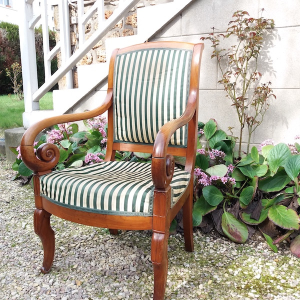 fauteuil de style Restauration, restauration