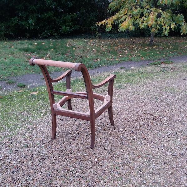 Carcasse fauteuils, restauration