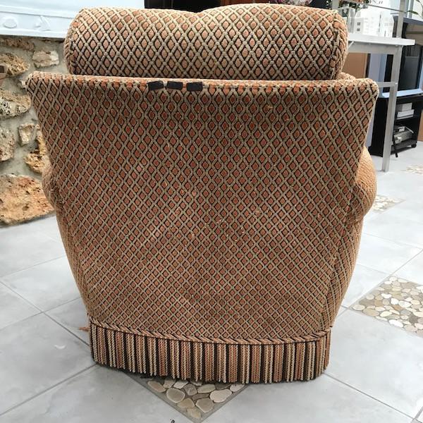 Ensemble fauteuils et pouf, restauration