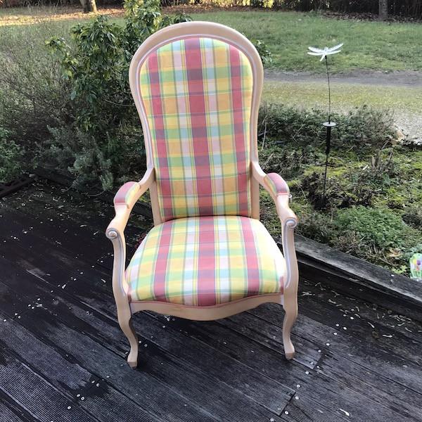 Paire de fauteuils Voltaire, restauration
